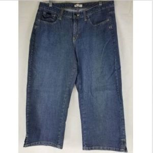 Lee Cropped Jeans Lower on the Waist 12 Capris